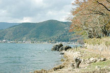 義経の隠れ岩.jpg